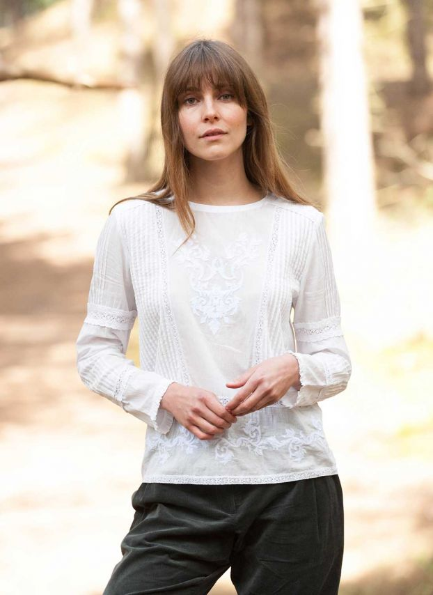 White Lace & Embroidered Cotton Blouse DB9870JW1817