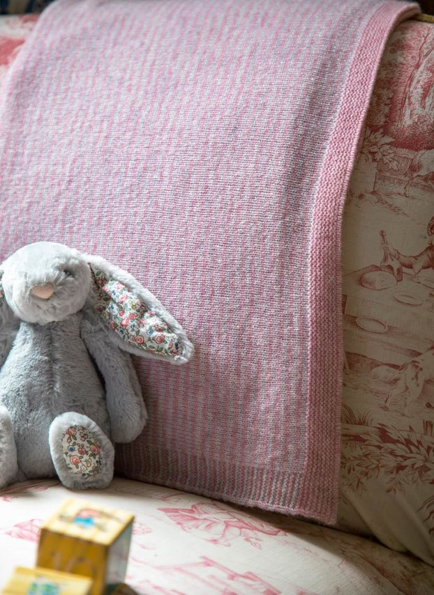 Petal & Pearl Cashmere Knitted Baby Blanket BB01/GH5089
